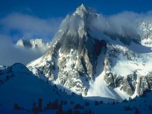 Горы-стояли-упорно,-насмерть